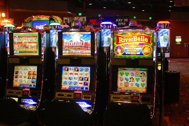 Красочные автоматы на Slotozal777