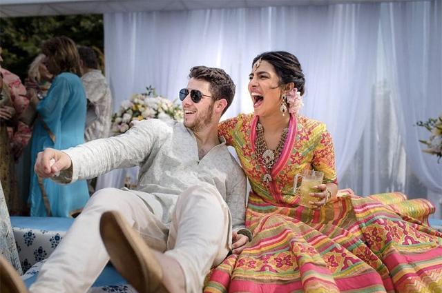 Приянка Чопра и Ник Джонас поделились первыми свадебными фотографиями