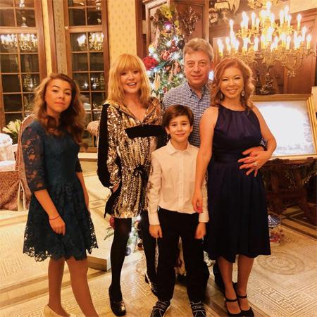 Алла Пугачева с друзьями