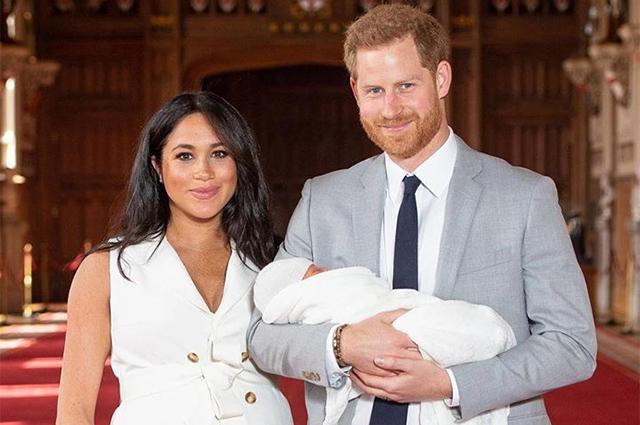 Принц Гарри и Меган Маркл представили первые официальные фотографии с новорожденным сыном