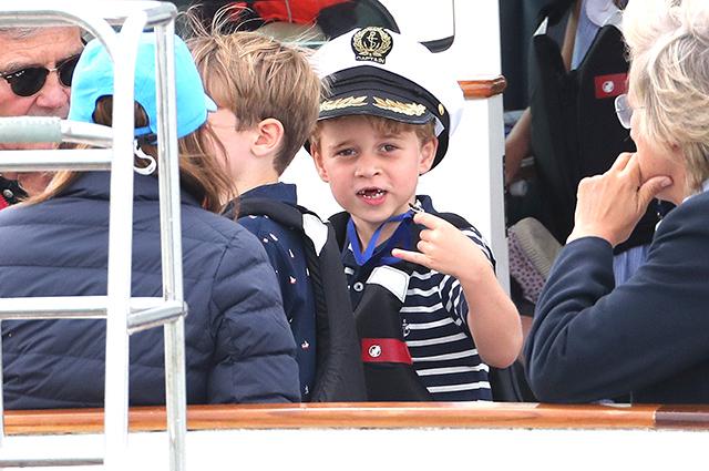 Принц Джордж и принцесса Шарлотта поддержали родителей на парусной регате