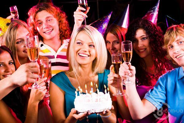 Празднование дня рождения в ресторане «Принада»