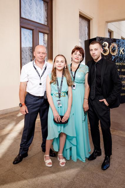 Александр Кузнецов с семьей