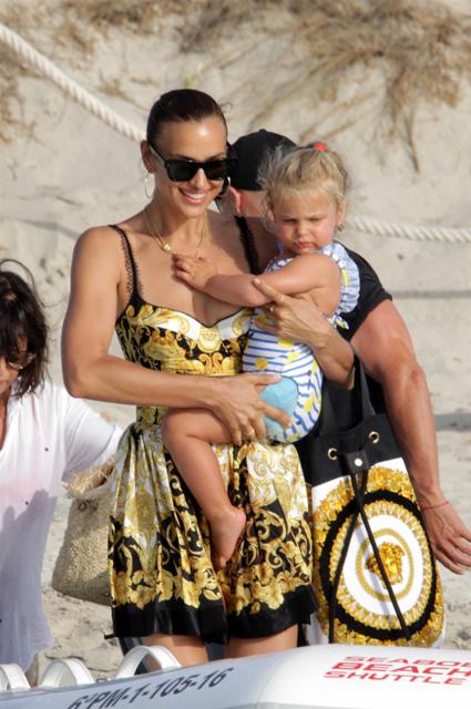 Ирина Шейк с дочерью Леей