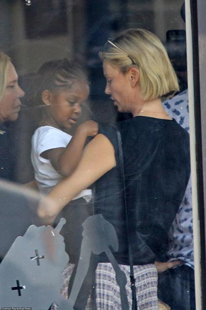Шарлиз Терон с дочерью
