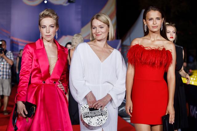 Мария Шалаева, Виктория Толстоганова и Любовь Аксенова