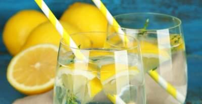 Диетологи рассказали, какие напитки опасно пить натощак