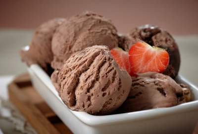 Британские нейропсихологи подтвердили пользу мороженого