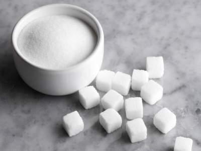 Врачи объяснили, почему не стоит полностью отказываться от сахара