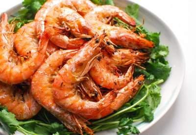 Медики объяснили, почему необходимо регулярно есть морепродукты