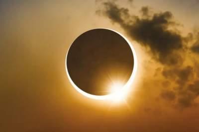 Медики рассказали, как влияет на людей солнечное затмение