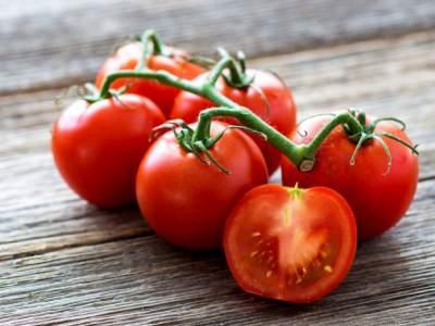 Медики объяснили, почему необходимо регулярно есть помидоры