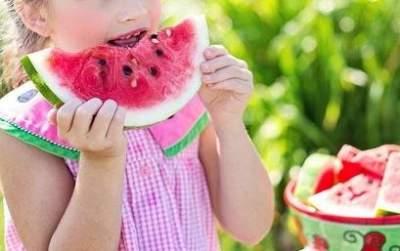 Врачи подсказали, какую ягоду есть для профилактики рака