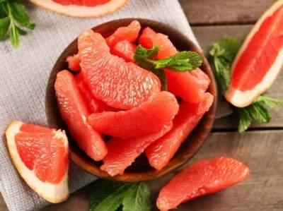 Диетологи назвали лучший фрукт для эффективного похудения