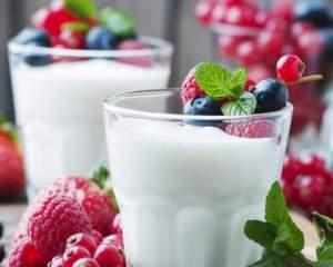 Медики объяснили, почему необходимо регулярно есть йогурт