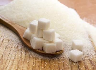 Эти симптомы говорят, что нужно употреблять меньше сахара