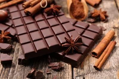 Медики объяснили, почему необходимо регулярно есть шоколад