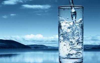 Медики подсказали, как правильно пить воду