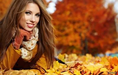 Косметологи подсказали простые советы по уходу за кожей осенью