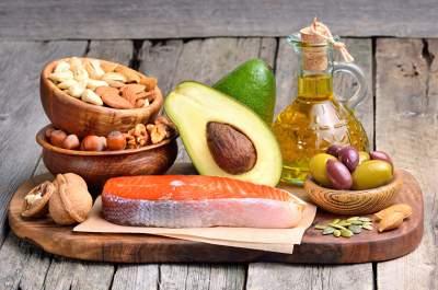 Диетологи назвали самые полезные продукты для проблемной кожи