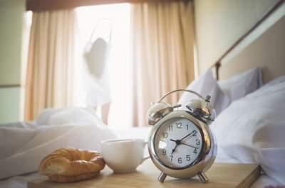 Названы утренние привычки, мешающие похудеть