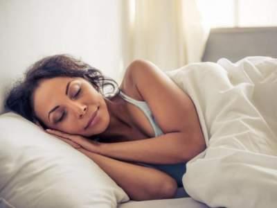 Дневную сонливость назвали симптомом опасного заболевания