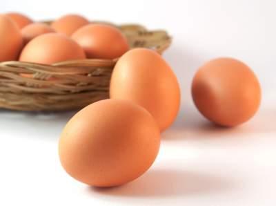 Медики рассказали, кому обязательно нужно есть куриные яйца