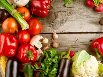 Медики рассказали о пользе несъедобных частей овощей и фруктов