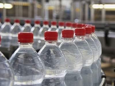 Названа новая опасность пластиковых бутылок