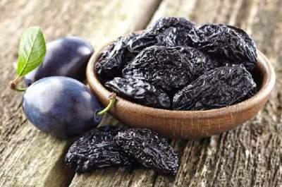 Медики рассказали о пользе чернослива