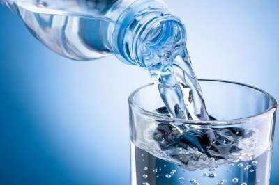Медики объяснили, как распознать нехватку воды в организме