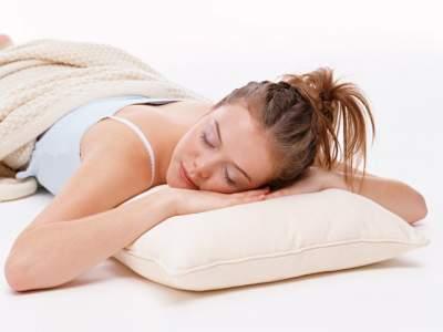 Медики выяснили, какая поза для сна самая вредная