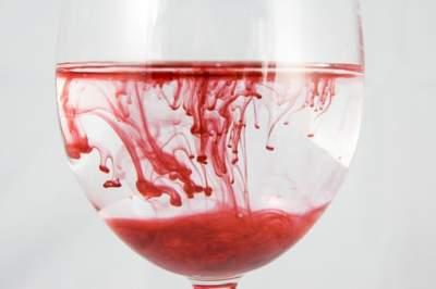 Ученые заставили швейцарцев пить собственную кровь