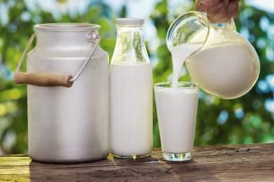 Медики объяснили, почему необходимо регулярно пить молоко