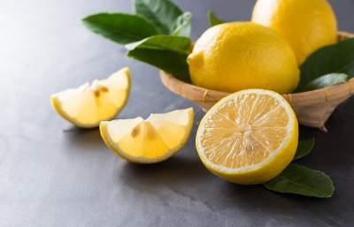 Врачи объяснили, почему необходимо регулярно есть лимоны