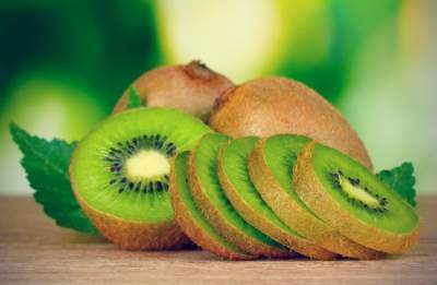 Диетологи назвали лучший фрукт от запоров