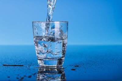 Врачи рассказали, зачем нужно пить воду перед завтраком