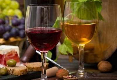 Медики рассказали о пользе вина