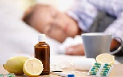 Украинцам рассказали, как лечить простуду и ОРВИ