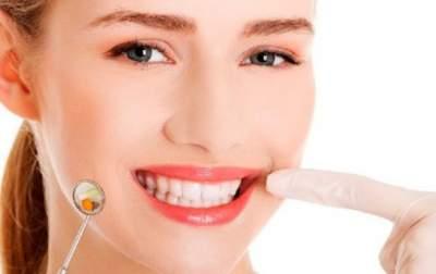 Врачи рассказали, как кунжут влияет на зубы