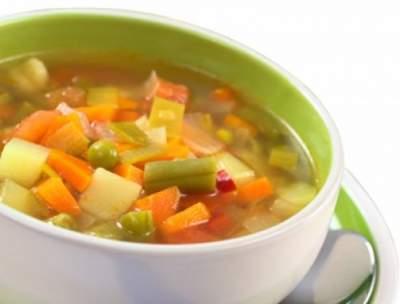 Диетологи назвали рецепт похудения при помощи супа