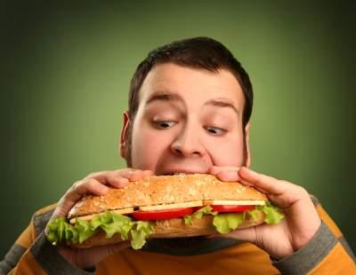 Медики подсказали, от каких продуктов стоит отказаться мужчинам