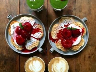 Названы лучшие продукты для полезного завтрака