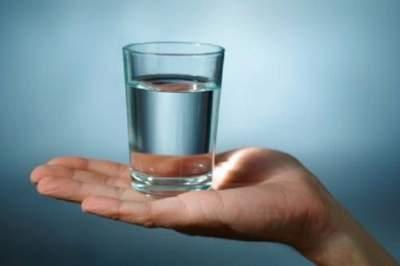 Врачи рассказали, чем чревато чрезмерное употребление воды
