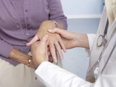 Медики рассказали, почему ночные травмы заживают тяжелее