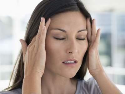 Названы способы унять головную боль без лекарств