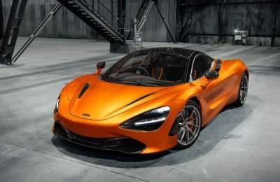 Зрелищный заезд двух суперкаров McLaren. Видео