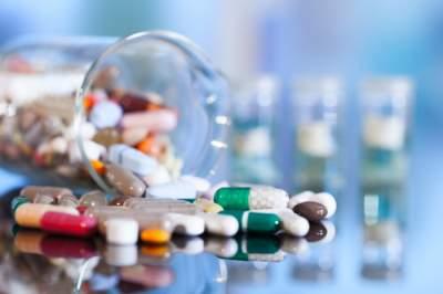 Врачи объяснили, какие лекарства нельзя принимать одновременно