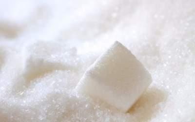 Медики назвали разновидности рака, вызываемые сахаром