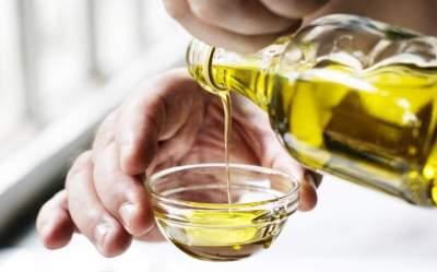 Медики объяснили, почему оливковое масло полезно для печени